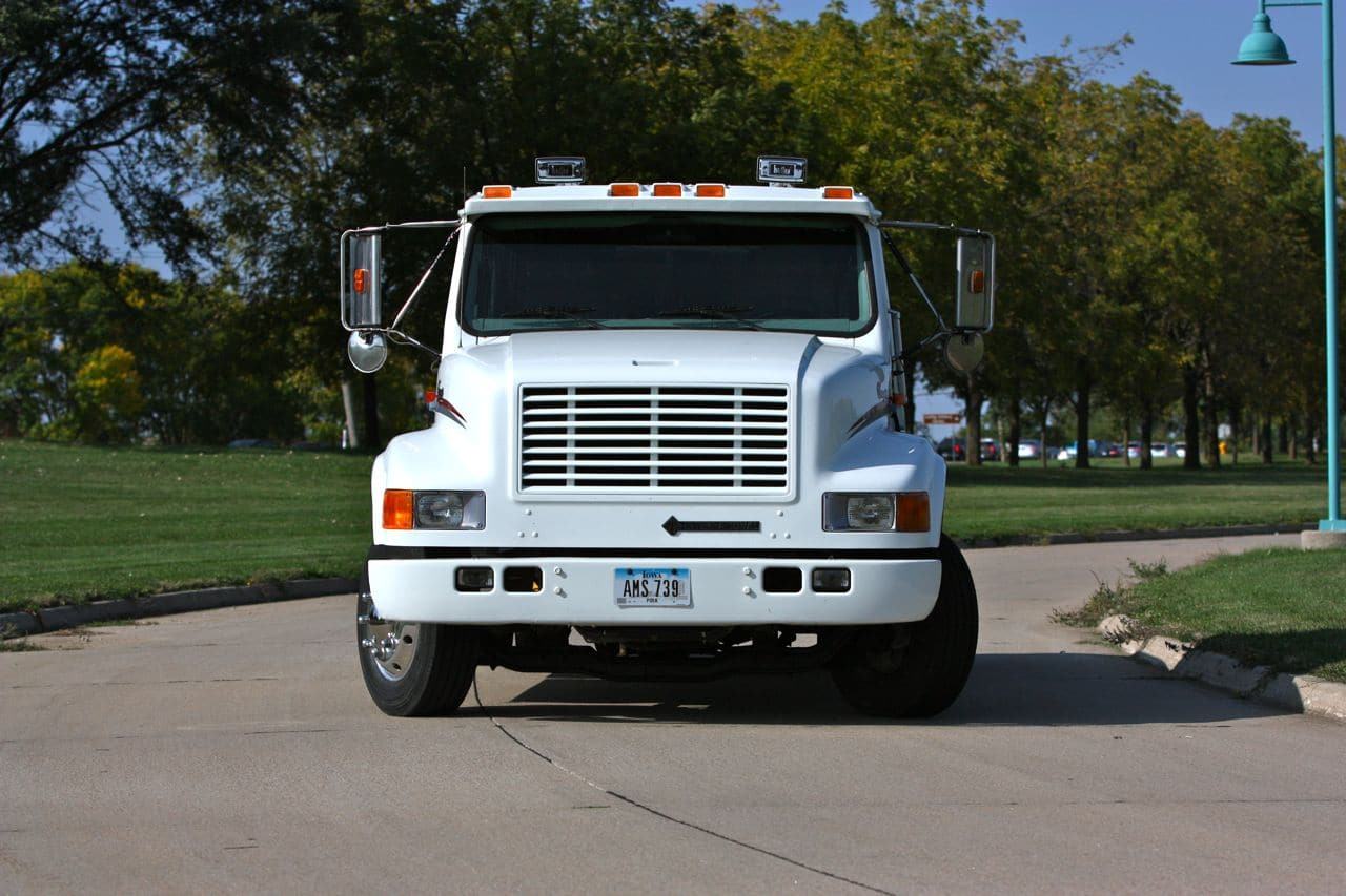 02 International 4700lp Hauler