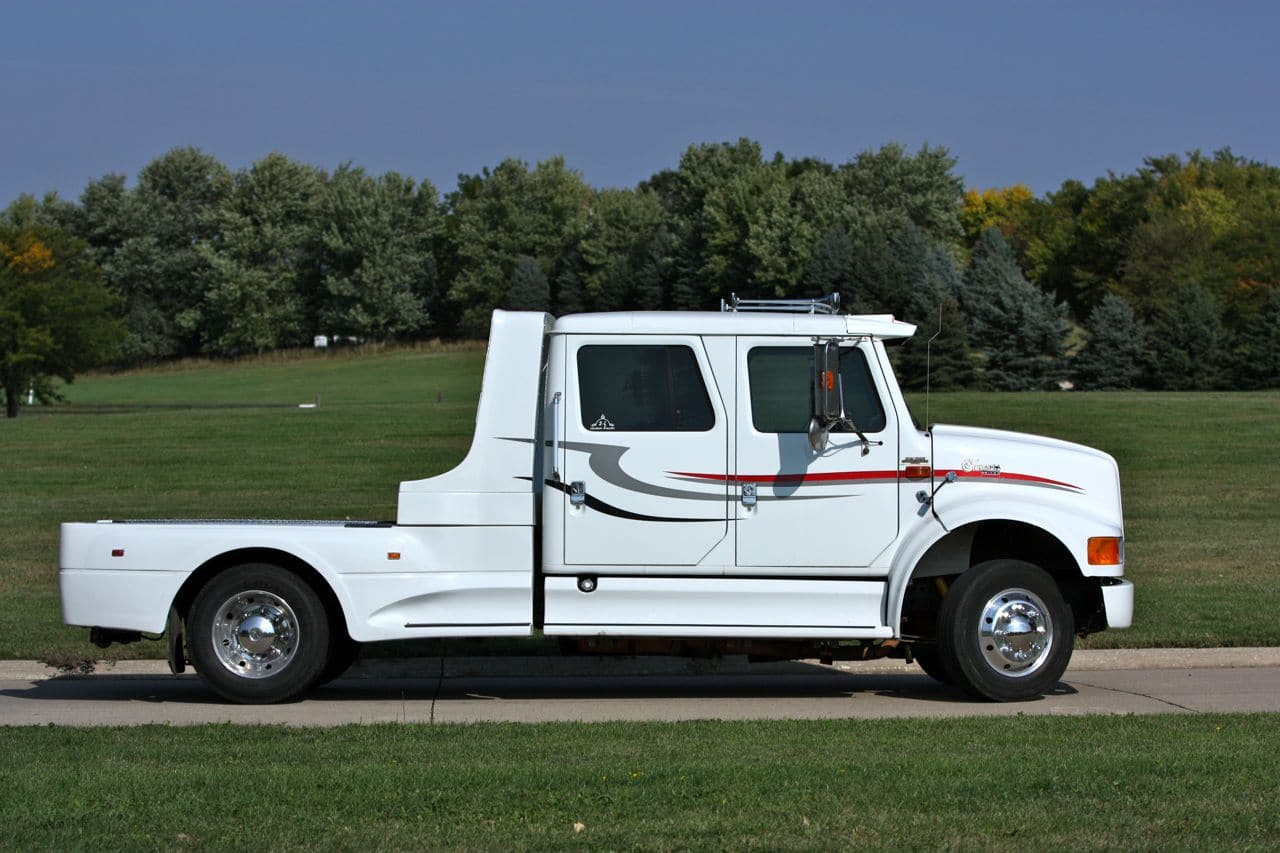 06 International 4700 4 Door