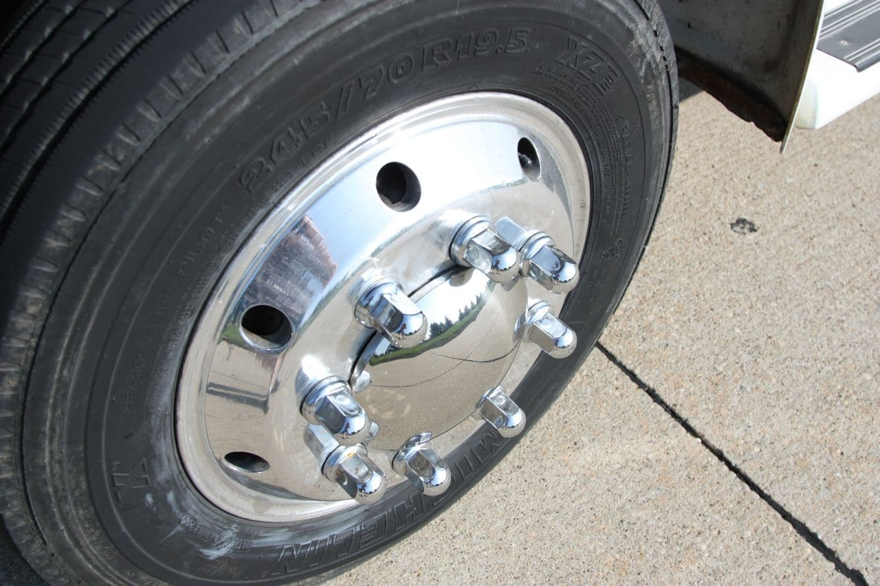 23 International 4700 Aloca Rims